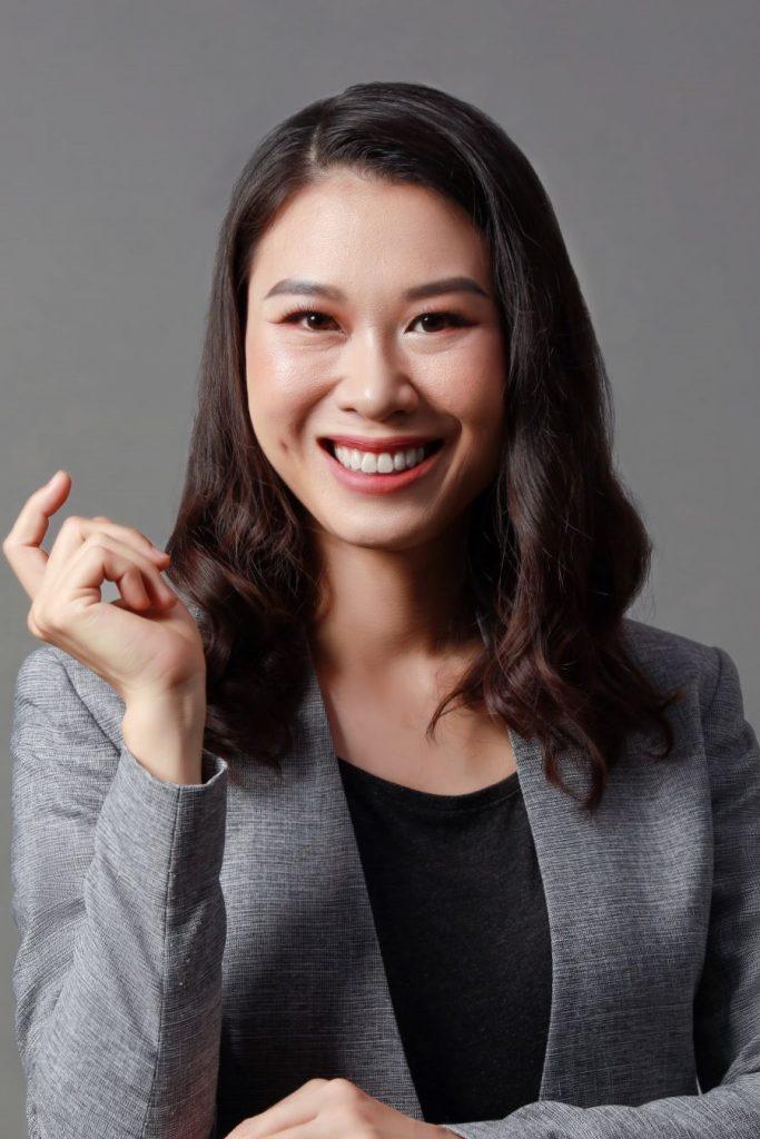 Giảng viên Dương Việt Hồng 2021