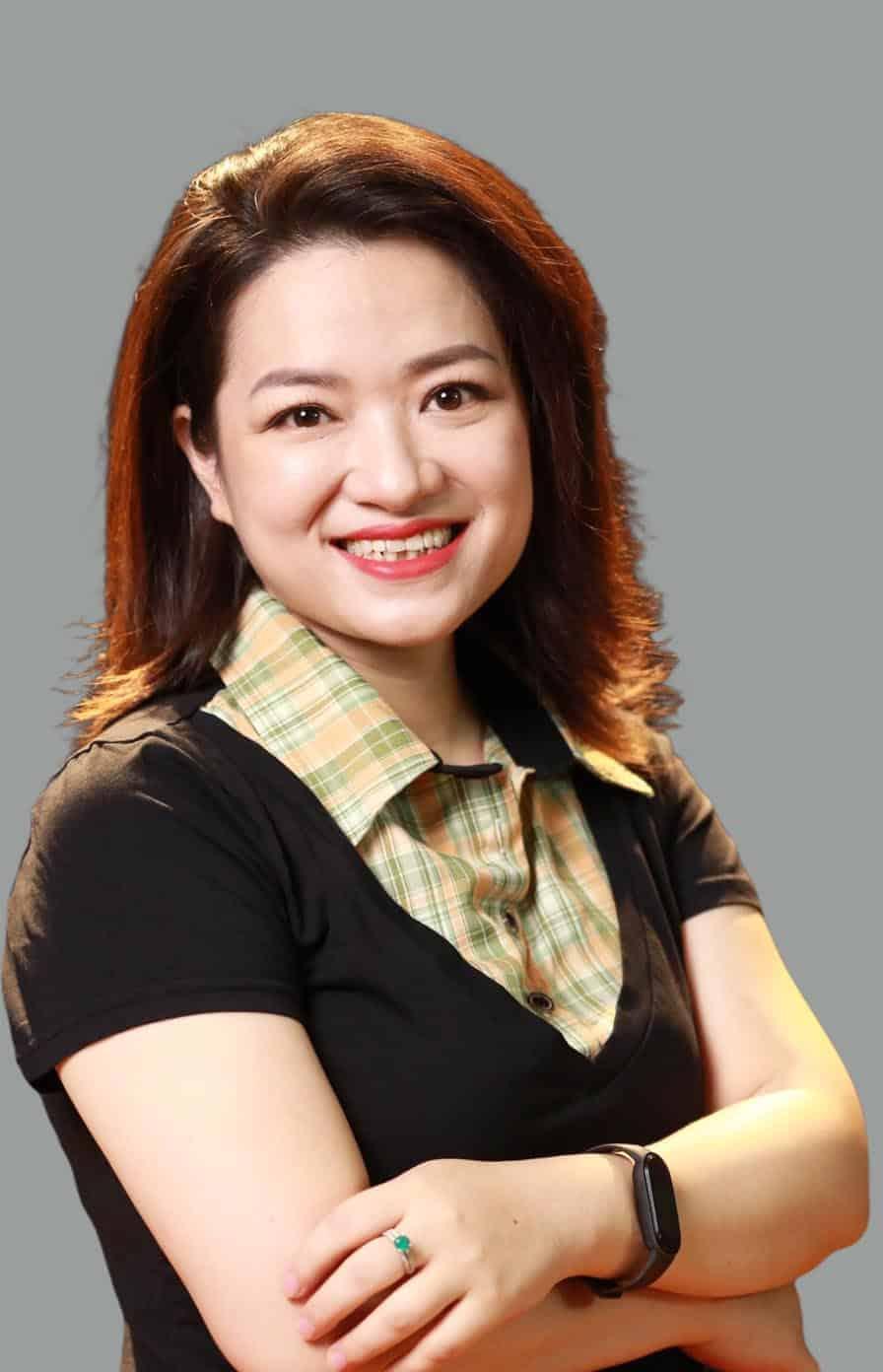 Giảng viên Đoàn Hương Giang